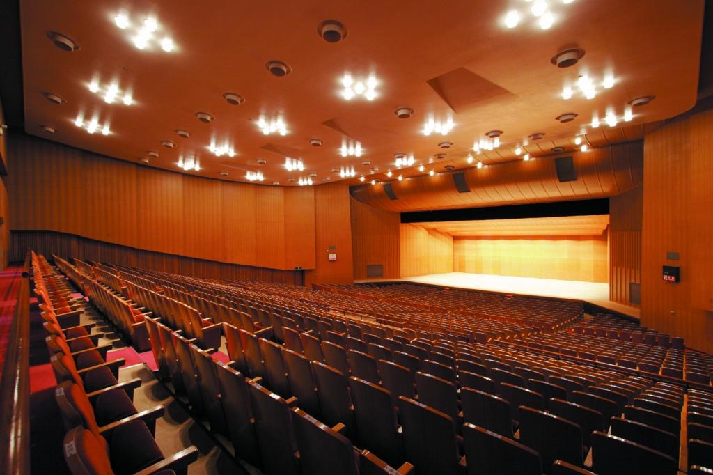 鹿児島県文化センター(愛称:宝山ホール)